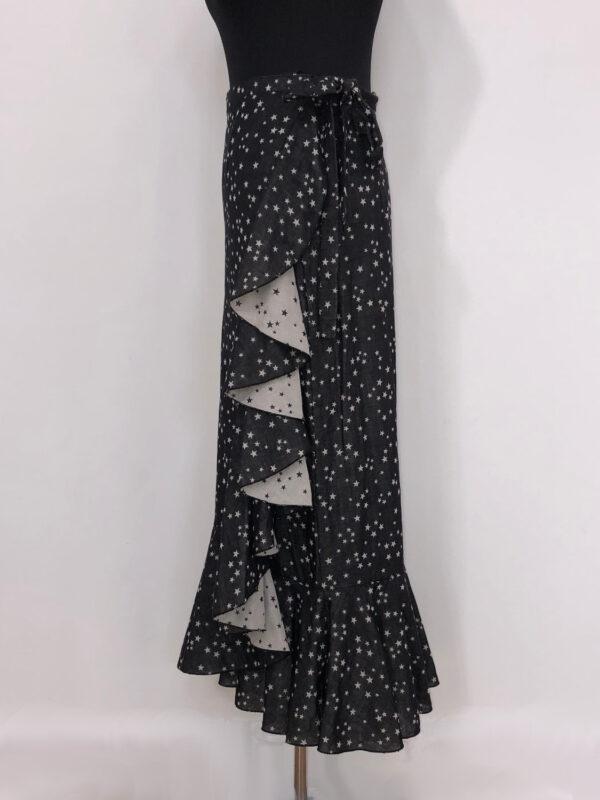 Slå-om-nederdel sort med stjerner side