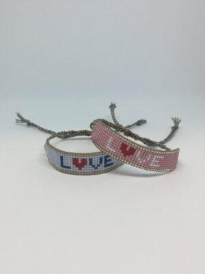 LOVE armbånd i mix af rosa og blå
