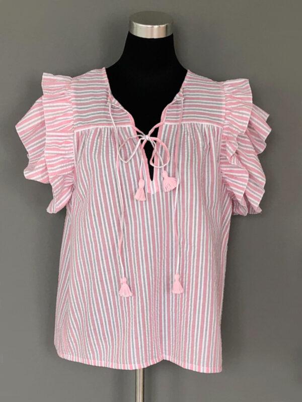 Stribet bluse med bærestykke og dobbelt ærmeflæser i rosa - for