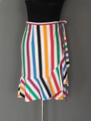 Strand slå-om-nederdel i hvid med striber - for