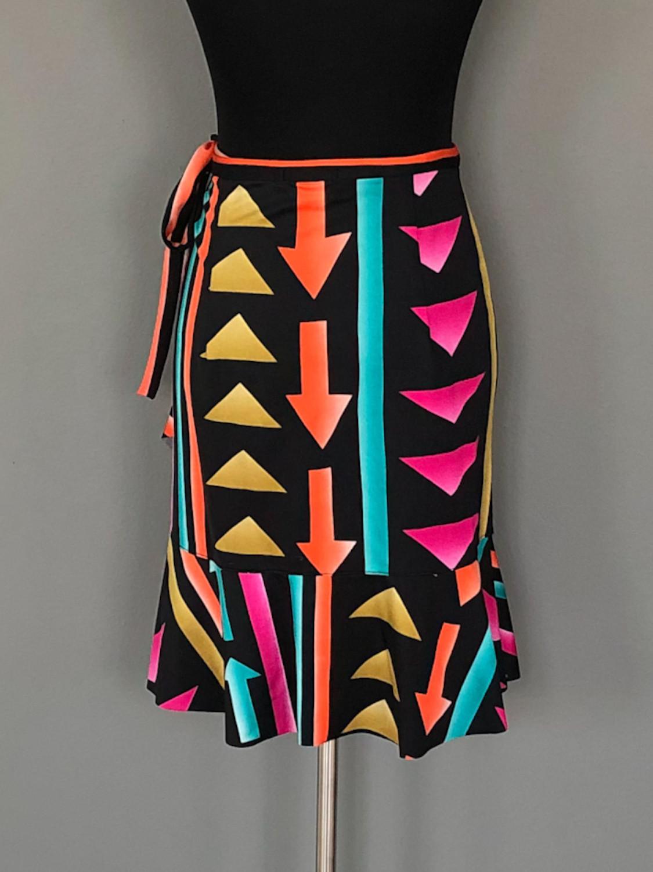 Slå-om-nederdel med pile mønster - bag