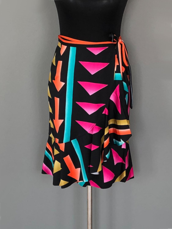Slå-om-nederdel med pile mønster - for