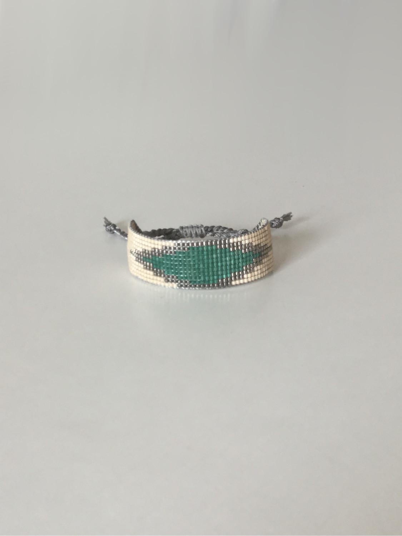 Vævet perlearmbånd bredt med rude i beige og grøn