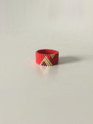 Rød ring med trekanter