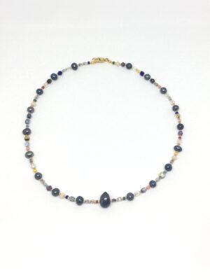 Halskæde med krystaller og peacock ferskvandsperler