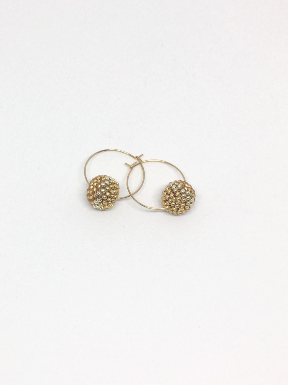 Kreolerøreringe med perlekugle i guld