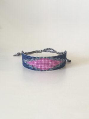 Blåt vævet perlearmbånd med pink rude