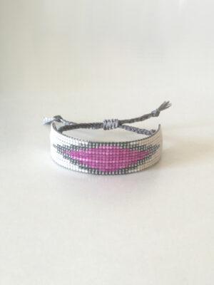 Off-white vævet perlearmbånd med pink rude