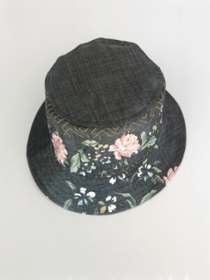 Blomstret hat