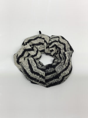 Silke scrunchie i tigerstriber